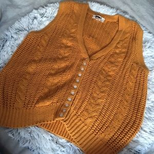 VTG mustard baggy sweater vest